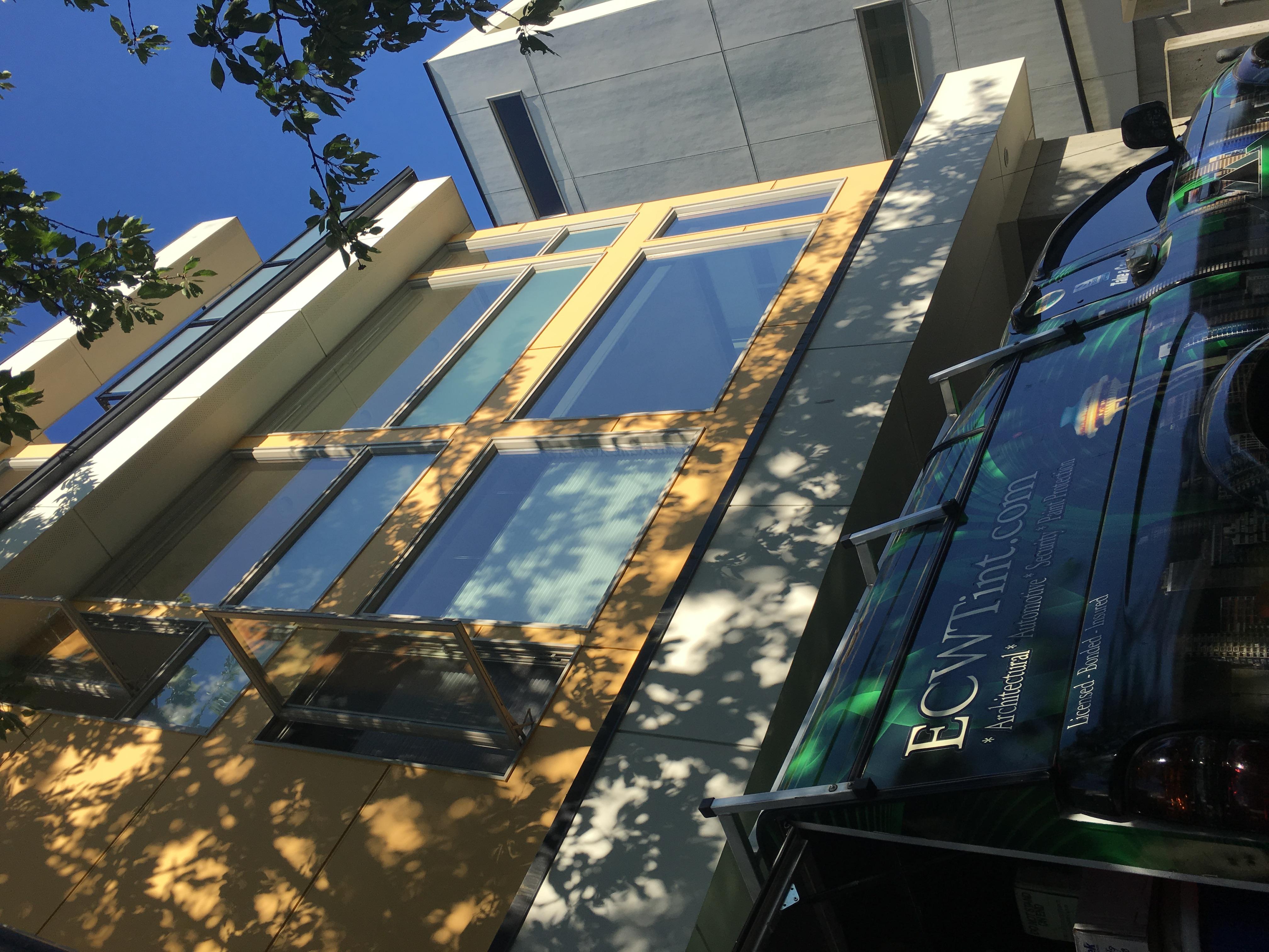 Exterior - Huper Optik Sech